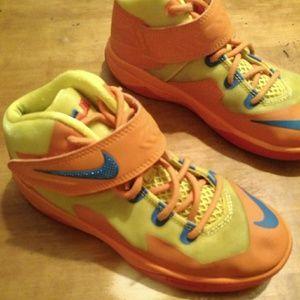Youth Boys Nike Lebron